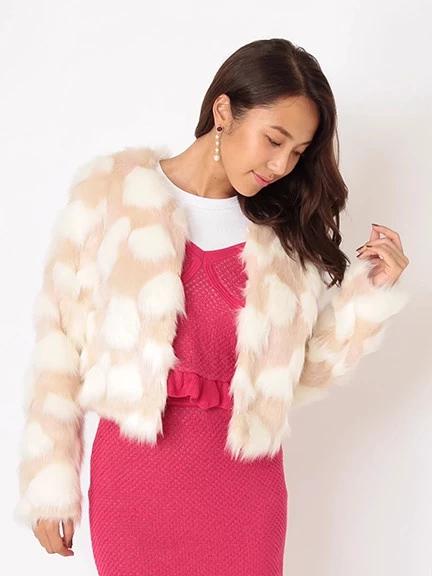 【乃木坂46白石麻衣 カタログ着用商品】もこもこフェイクファーノーカラーコート